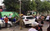 """Vụ xe """"điên"""" đâm liên hoàn 10 phương tiện, 1 người chết ở Hà Nội: Danh tính lái xe Mazda 18 tuổi"""