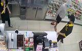 Vụ thanh niên cầm dao đe dọa 2 nhân viên cửa hàng cướp 2,5 triệu: Tên cướp chạy bộ tẩu thoát