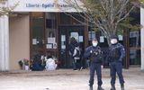 Pháp lại xảy ra tấn công khủng bố kinh hoàng, một thầy giáo bị giết hại dã man