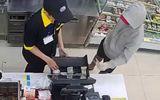 An ninh - Hình sự - Bắt giữ đối tượng dùng dao khống chế 2 nhân viên cửa hàng tiện lợi để cướp tiền