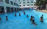 Sức khoẻ - Làm đẹp - Bị bạn nhấn đầu xuống nước khi đi bơi, nam sinh 14 tuổi bị phù phổi