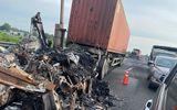 """Hai xe container """"đấu đầu"""", bốc cháy dữ dội trên cao tốc TP.HCM - Trung Lương"""