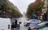 Tin thế giới - Pháp sơ tán khẩn cấp quanh Khải Hoàn Môn và tháp Eiffe do cảnh báo có bom