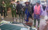 Tin trong nước - Hà Tĩnh: Mượn thuyền cứu hộ không thành, người đàn ông vác dao đâm thủng