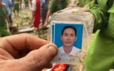 Tin trong nước - Vụ sạt lở kinh hoàng ở Trà Leng: Xúc động tìm thấy tấm ảnh thẻ, chiếc cặp da của Bí thư xã