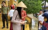 Tin tức thời sự mới nóng nhất hôm nay 2/11: Bí thư huyện Hải lăng lên tiếng vụ Thủy Tiên dừng phát tiền cứu trợ