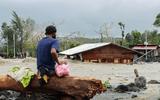 """Goni suy yếu nhanh thành bão nhiệt đới sau khi """"tấn công"""" vào Philippines"""
