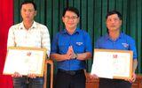 Việc tốt quanh ta - Bình Định: Khen thưởng 2 thanh niên cứu người gặp nạn trong đợt mưa lũ