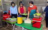 Việc tốt quanh ta - Nữ giáo viên vượt hàng chục km đường rừng mỗi ngày mang cơm cho học sinh