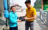 Việc tốt quanh ta - Bỏ quên ví trên tàu, du khách tham quan vịnh Hạ Long nhận lại tài sản