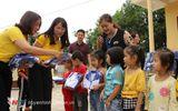 Việc tốt quanh ta - Bưu điện Nghệ An trao 494 suất quà cho học sinh nghèo ở Quỳ Châu