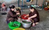 Ấm lòng bếp ăn từ thiện tại Trung tâm y tế huyện Ninh Phước đỏ lửa suốt 13 năm