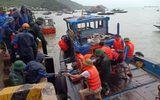 Tin trong nước - Chìm tàu chở 2.250 tấn xi măng, 10 người thoát chết
