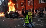 Hàng nghìn người ra đường biểu tình, bạo loạn bùng nổ ở Paris