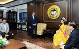 Bức ảnh gây xôn xao của Hoa hậu Đỗ Thị Hà ngày về trường: Người trong cuộc lên tiếng