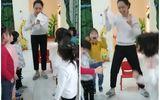 """Cô giáo làm ảo thuật """"hô biến"""" 1 ngón tay thành 2, đám học trò vẫn mắt tròn mắt dẹt thán phục"""