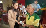 Thủy Tiên bỏ tiền túi hơn 1 tỷ đồng, âm thầm ra Hà Tĩnh cứu trợ bà con vùng lũ