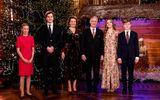 """Ảnh Giáng sinh của các gia đình hoàng gia thế giới: Hoàng tử Bỉ """"lột xác"""" hoàn hảo, chiếm """"spotlight"""" của gia đình Công nương Anh"""