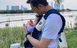 """""""Đại gia phố núi"""" Cường Đô La """"biến hình"""" thành ông bố bỉm sữa bên con gái cưng Suchin"""
