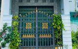 Vụ thi thể giáo viên nước ngoài trong căn nhà thuê ở Cà Mau: Công an phá cửa kiểm tra