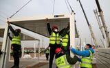 Tin thế giới - Trung Quốc xây bệnh viện dã chiến 1.500 phòng ứng phó dịch COVID-19 tái bùng phát