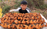 """Tin tức giải trí - Con trai bà Tân Vlog tái xuất với """"100 cánh gà siêu cay"""" sau khi bị dân mạng chỉ trích """"bốc phét"""""""