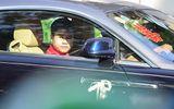 """Thiếu gia Phan Thành """"chất phát ngất"""" lái siêu xe hơn 33 tỷ đồng đến nhà gái rước dâu"""