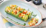 Salad dưa chuột tạo hình giống cây trúc, đặc biệt ấn tượng trên bàn tiệc ngày Tết