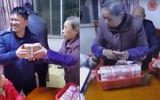 Video: Cụ bà mang giỏ đầy tiền chứa hơn 2,8 tỷ đồng phát lì xì cho con cháu khiến cư dân mạng phát