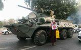 Chính biến Myanmar: Lực lượng an ninh nổ súng, điều xe bọc thép vào thành phố kiểm soát tình hình