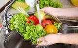 Sai lầm khi rửa rau mà nhiều người mắc phải, vô tình rước bệnh vào người