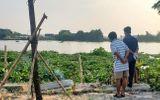Tá hỏa phát hiện thi thể trùm kín đầu, lẫn trong đám lục bình trên sông Sài Gòn