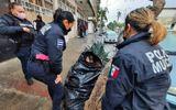 Cộng đồng mạng - Bà lão 65 tuổi sống trong túi rác suốt 8 năm, lý do đằng sau khiến ai nấy đều phải rơi lệ
