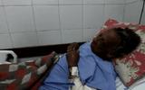 Đời sống - Mắc kẹt dưới hố sâu suốt 8 ngày, cụ bà 76 tuổi sống sót nhờ uống thứ nước vô cùng quen thuộc