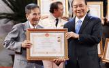 Tin tức giải trí - Video: NSND Trần Hạnh hạnh phúc khi được trao tặng danh hiệu cao quý