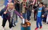 Tin thế giới - Người Mỹ đốt khẩu trang biểu tình phản đối biện pháp chống dịch