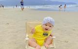 """Em bé Măng Tây mới 5 tháng tuổi đã """"sành điệu"""" check-in điểm hot Đà Nẵng khiến dân mạng """"xỉu lên xỉu xuống"""""""