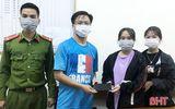 Hà Tĩnh: Hai 2 nữ sinh nhặt được điện thoại, nhờ công an tìm người trả lại