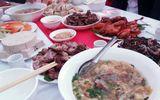 Ăn cỗ cưới 11 món, hơn 90 người nghi bị ngộ độc thực phẩm