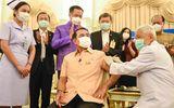 Thủ tướng Thái Lan tiêm vaccine AstraZeneca bất chấp hoài nghi về biến chứng đông máu sau tiêm