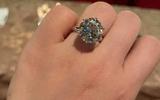 """Hỏi mua nhẫn kim cương của Ngọc Trinh tặng bạn gái, chàng trai nhận """"cái kết"""" bất ngờ sau khi biết giá"""