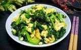Trứng xào rau cải bó xôi vừa ngon lại giàu vitamin C, ăn cùng cơm nóng cực hợp