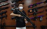 Kỳ thị và bạo lực gia tăng, người Mỹ gốc Á đổ xô đi mua súng tự vệ