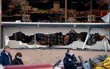 Mỹ: Xả súng kinh hoàng ngay trước siêu thị, 10 người chết