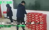 Giáo viên yêu cầu nộp 700.000 đồng mua giày, phụ huynh vẫn vui vẻ đồng ý, hóa ra vì lý do này