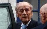 Hoàng thân Philip, chồng của Nữ hoàng Elizabeth, qua đời ở tuổi 99