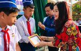 """Việc tốt quanh ta - Ba học sinh cứu người đuối nước được trao huy hiệu """"Tuổi trẻ dũng cảm"""""""