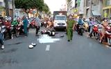 Sau cú va chạm với ô tô, người đàn ông đi xe máy tử vong thương tâm