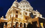 Kinh doanh - Điểm lại những tòa lâu đài mạ vàng gây choáng ngợp của các đại gia tỉnh lẻ