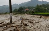 Lũ ống ập về giữa đêm ở Lào Cai, ít nhất 3 người chết và mất tích